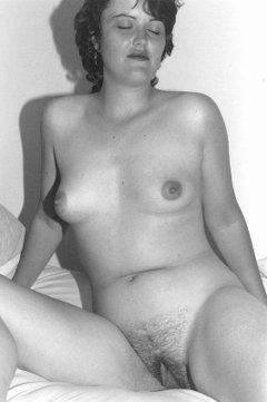 Zara Bush Naked